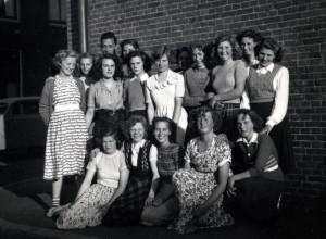 Immetje__072_blz 220_Avondschool Mei 1951 - 15 uitgesn